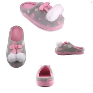 Wonder Nation Slippers Opp Pom Pom